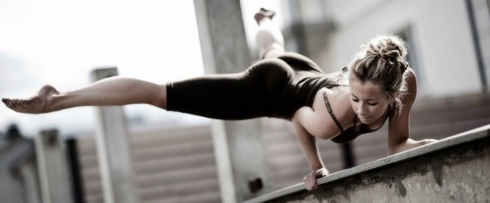 girl-fitness-gym-hd-wallpapers-for-desktop-wallpaper-364239899-1080x450
